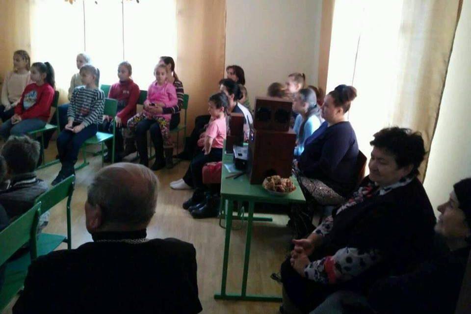 Ось так проходить катехизація дітей в с. Бовшів.