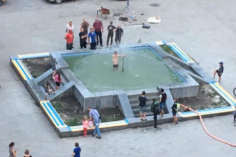Відбувся перший запуск фонтану на площі Героїв УПА!