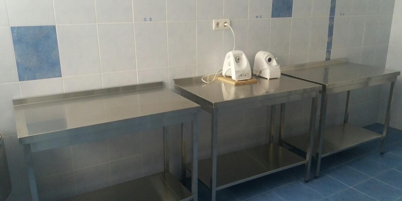 Харчоблок ДНЗ №6 обладнано професійними металевими кухонними столами
