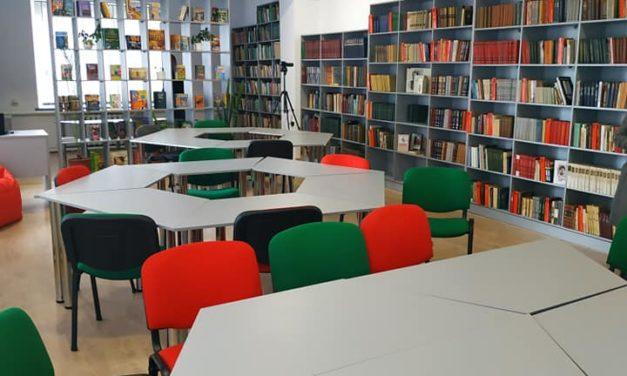 """Вітаємо бібліотеку ПК """"Прометей"""" з оновленим читальним залом!"""